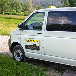 Taxi-AHA Volkswagen transporter